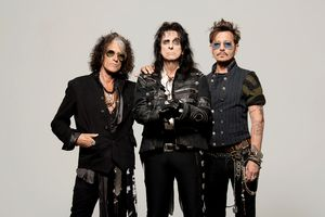 Alternative date under review! Hollywood Vampires